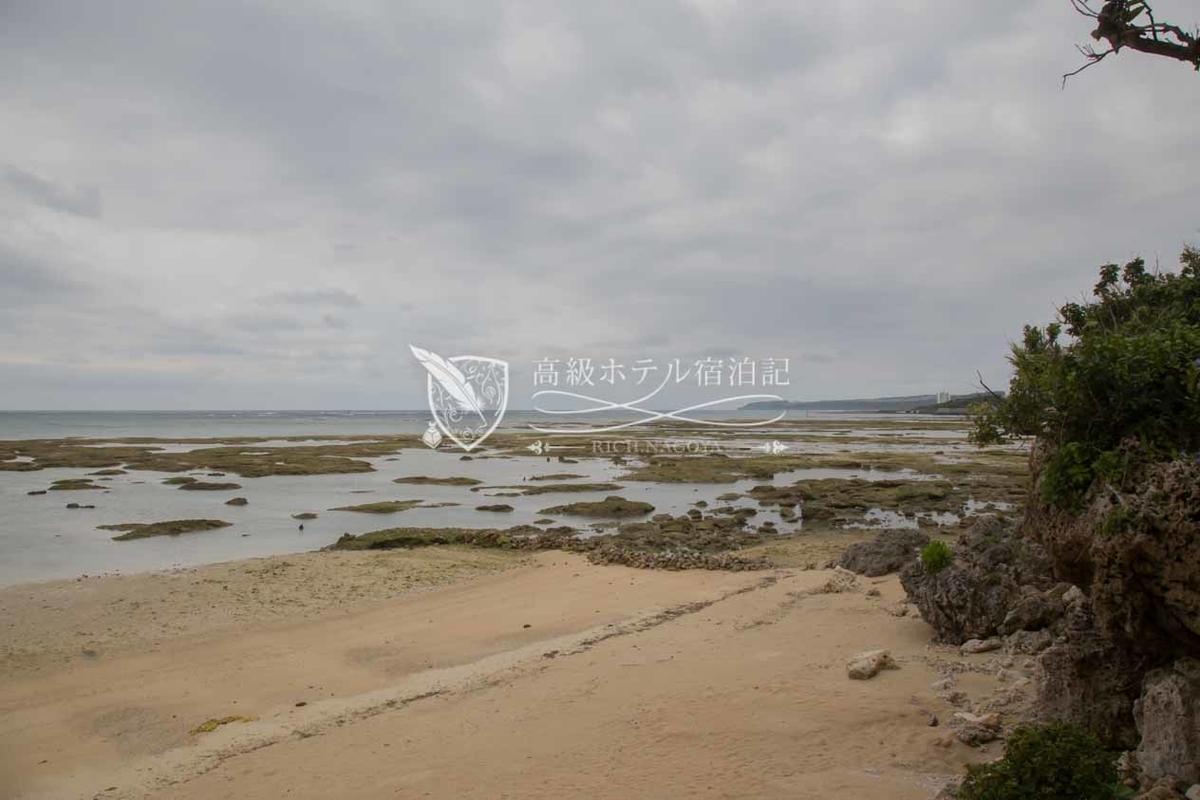 Hyakuna Garan:Beach