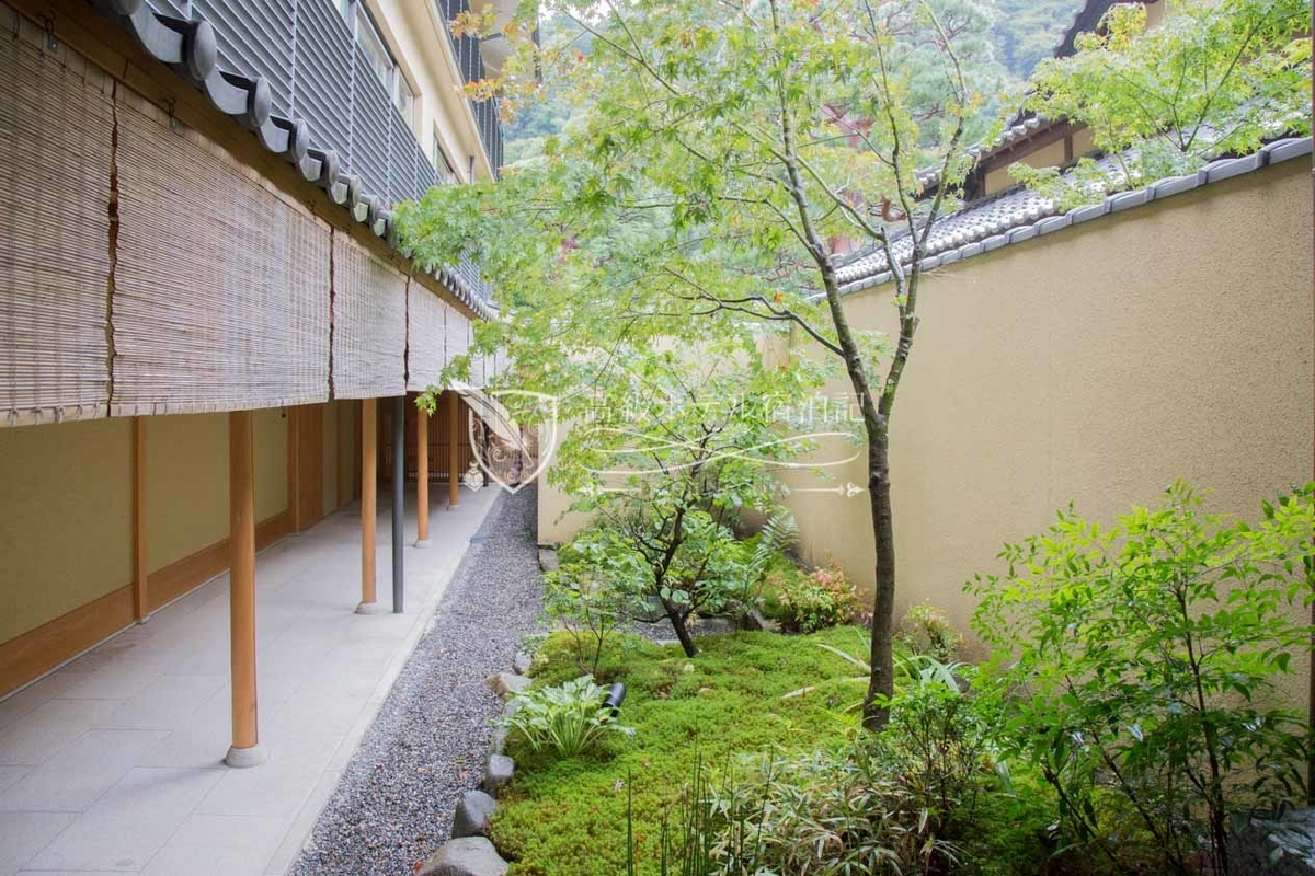 Suiran Luxury Collection Hotel Kyoto:Court Yard & Corridor