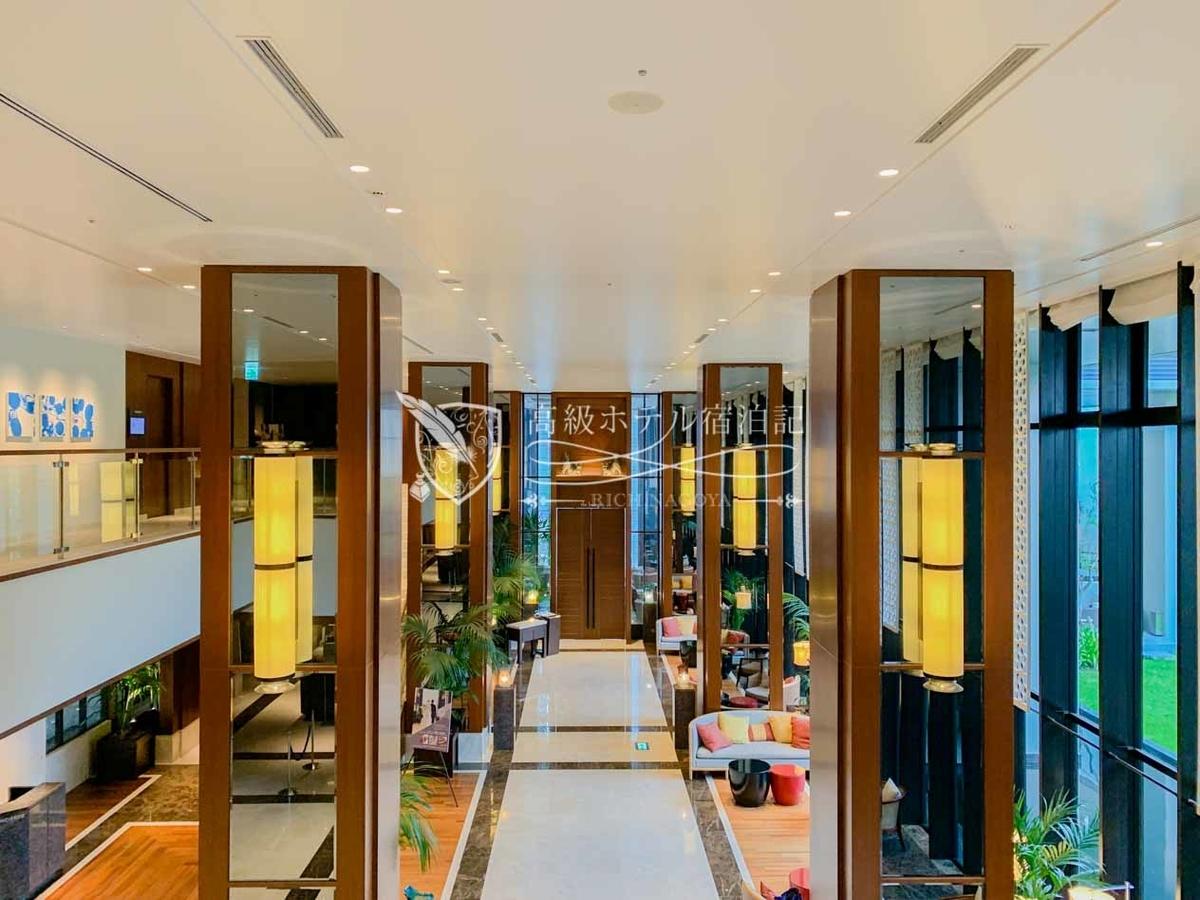 Hyatt Regency Naha Okinawa:Lobby Floor