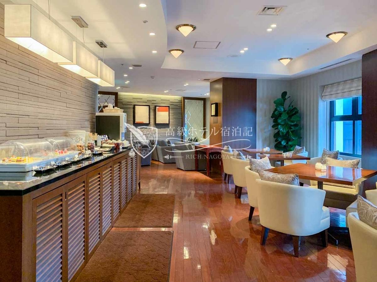 Hyatt Regency Fukuoka:Club Lounge