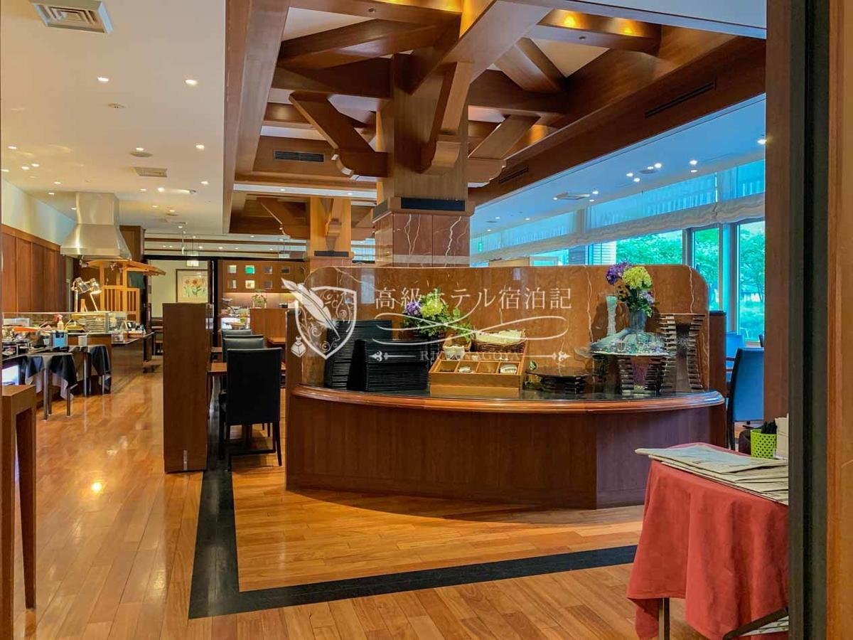 Sapporo excel hotel tokyu:Restaurant Larbre