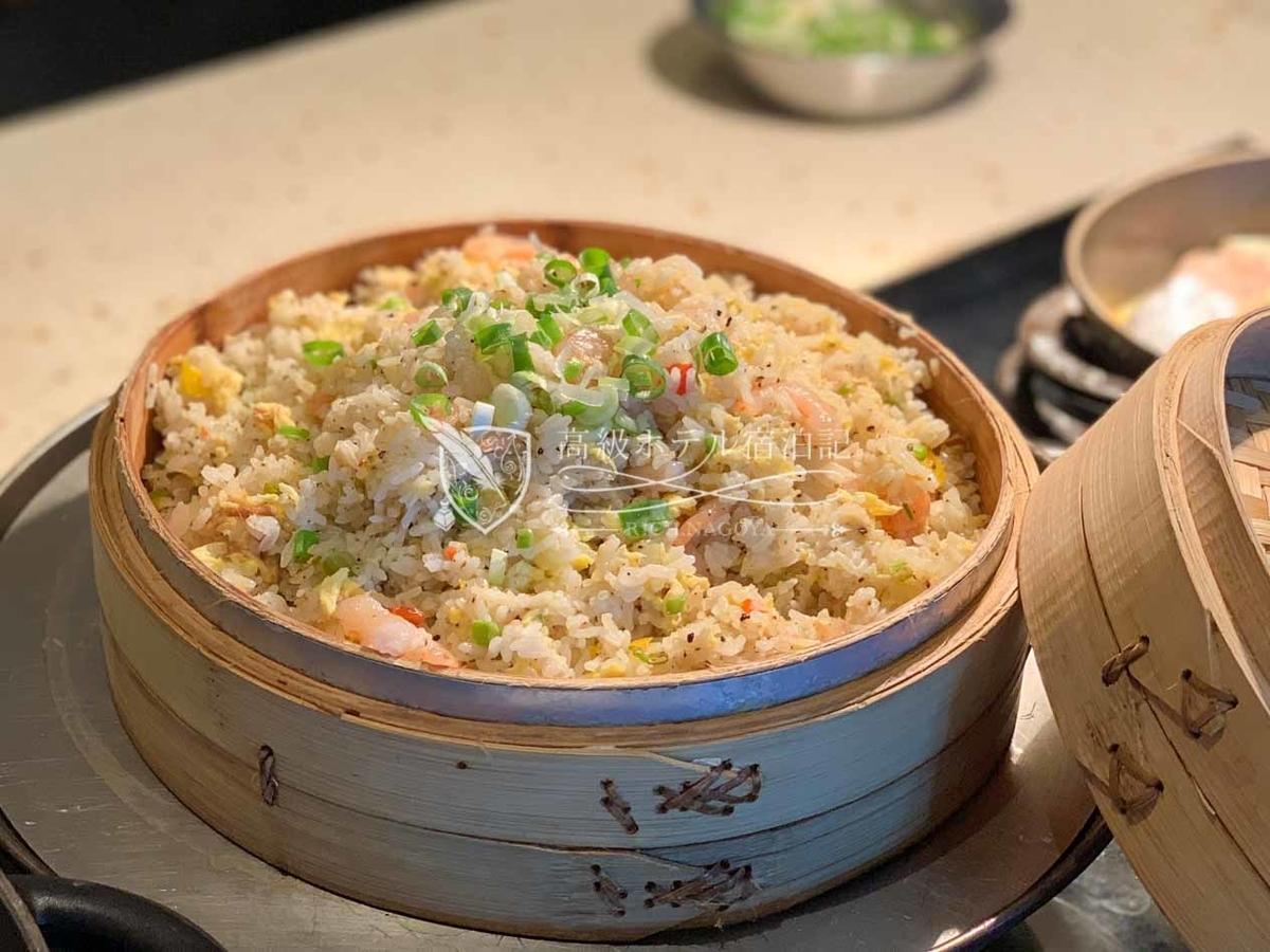 W台北:プリプリの海老の入ったあっさりチャーハンも美味しい!
