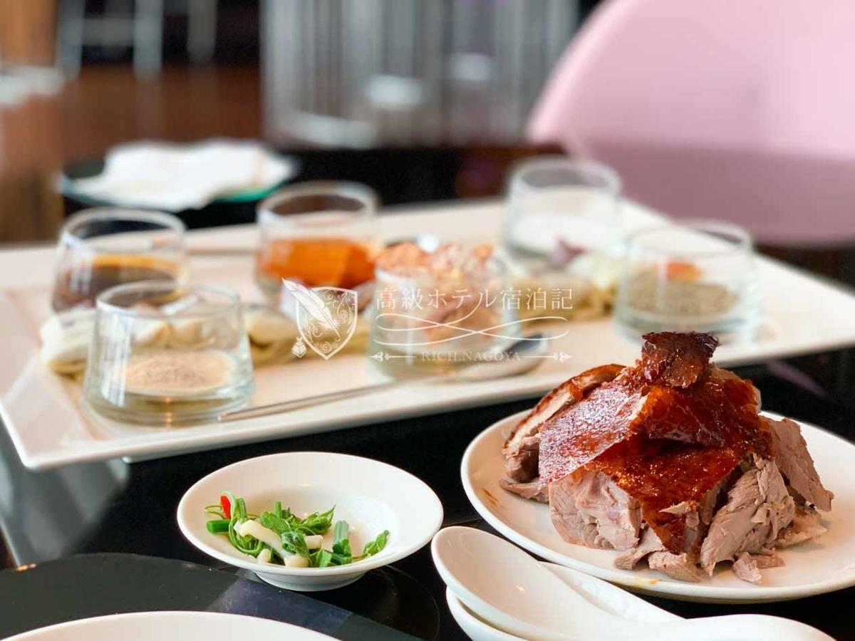 YEN CHINESE RESTAURANT(紫艷中餐廳):本場(?)の北京ダックは皮だけでなくお肉も食べられるのでお腹がいっぱい!