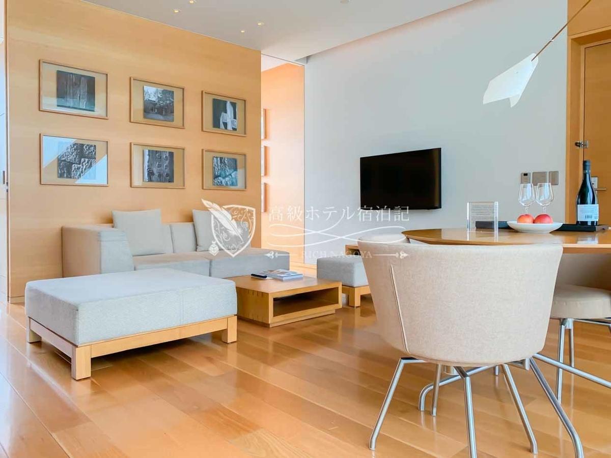 """パークハイアットソウル:パークスイートキングは広さ64~70㎡のスタンダードスイート。各フロアの部屋番号下2桁が""""10""""の客室が該当。"""