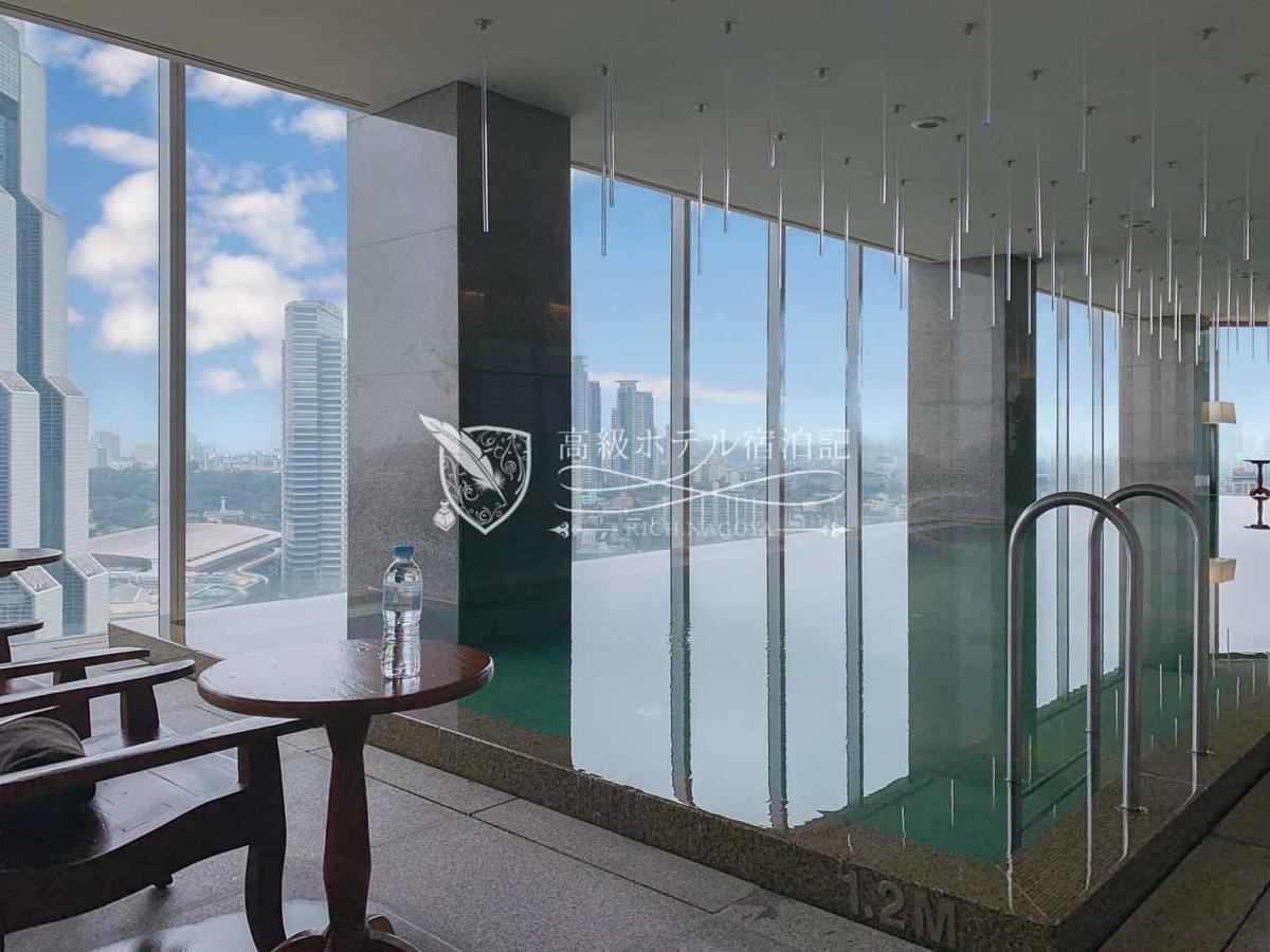 パークハイアットソウル:24階にある屋内プールは、設備・利用客のマナーいずれも残念な内容。