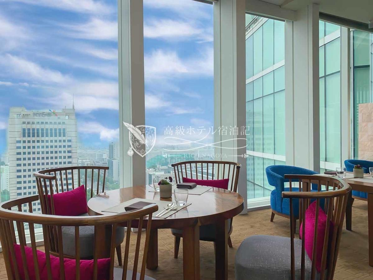 パークハイアットソウル:やはり窓際の席が人気。