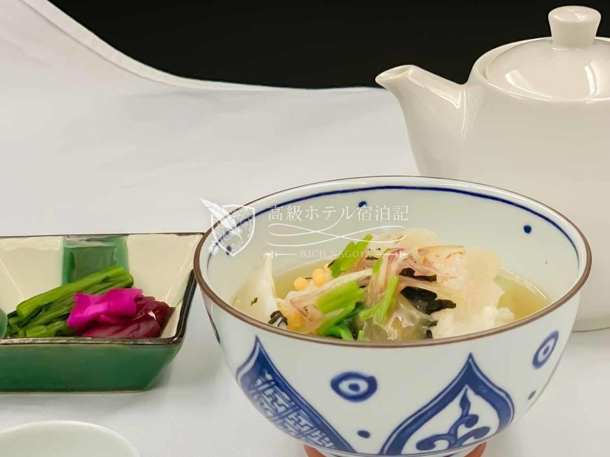 アラカルト料理:炙り平目の胡麻茶漬け
