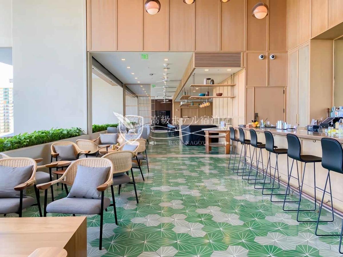 8階ロビーフロアにある「BLTマーケットは」有名ステーキハウスのBLTステーキが手掛ける館内唯一のオールデイダイニング。