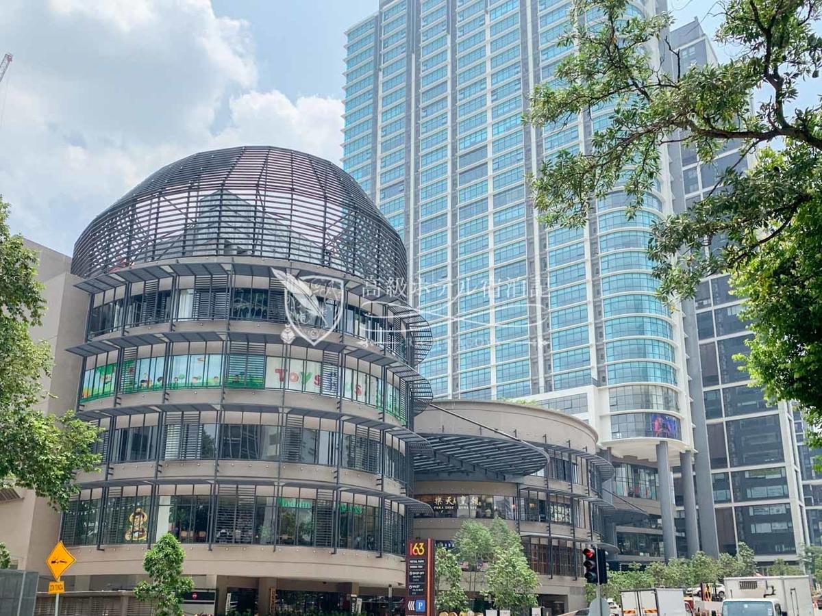 Hyatt House Kuala Lumpur 近隣に多数のショッピングモールやレストランがある生活に不便のない立地。ホテルのすぐ隣には2018年にオープンしたショッピングモール「163 Retail Park」、徒歩5分圏内に「1 Mont Kiara」がある。