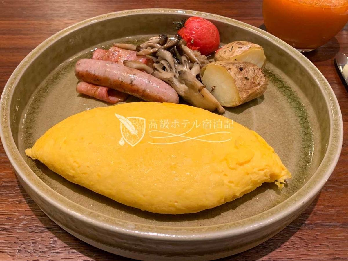 パークハイアット京都 Park Hyatt Kyoto:  KYOTO BISTRO 朝食 アラカルト料理のプレーンオムレツ