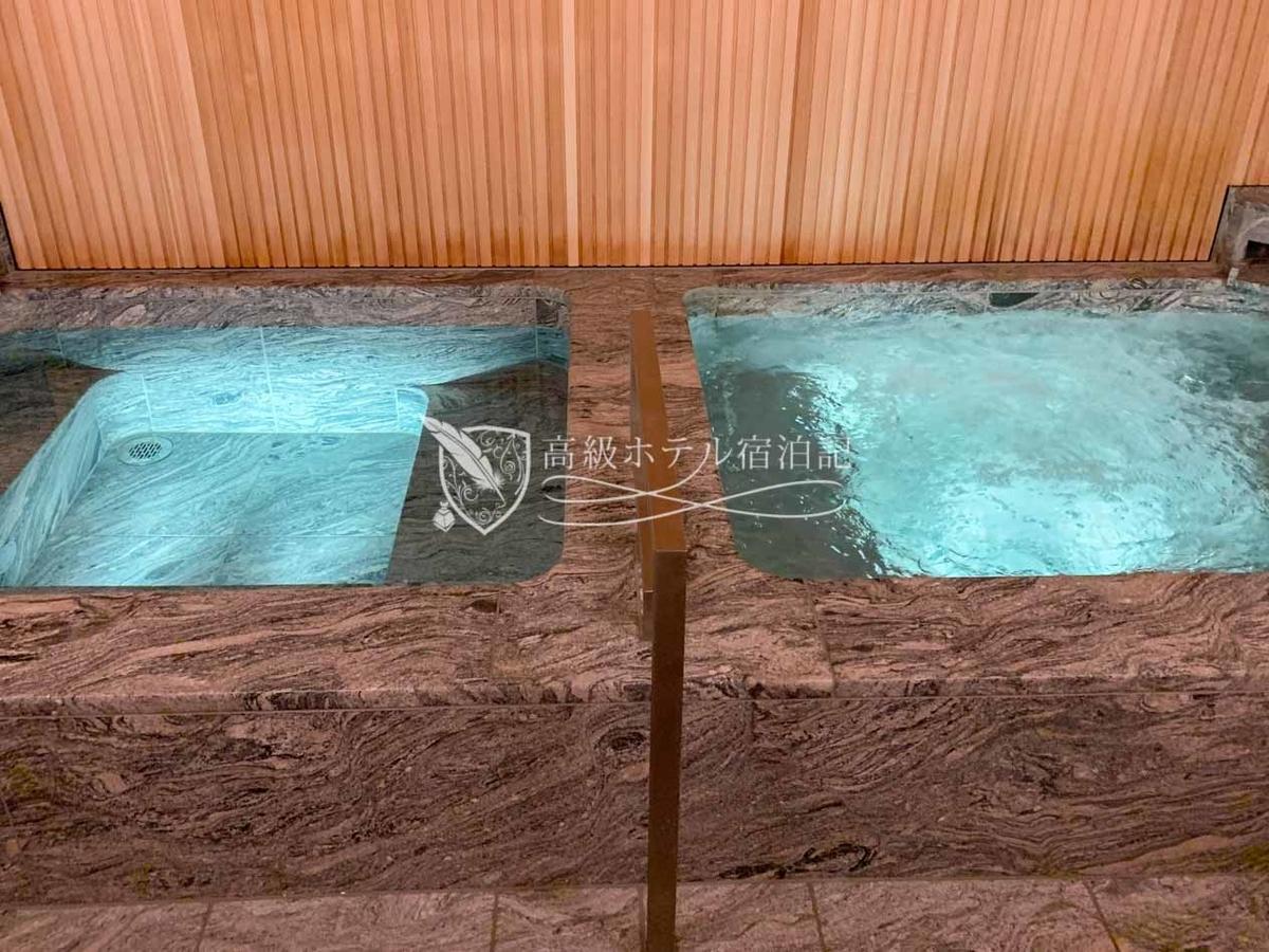 パークハイアット京都 Park Hyatt Kyoto:男性用バスハウス/浴場(左は水風呂)