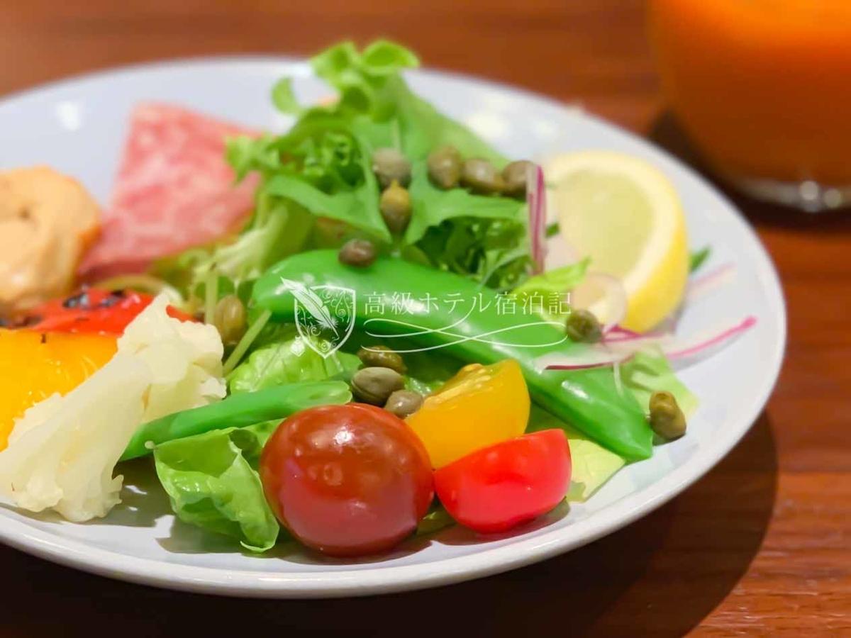 パークハイアット京都 Park Hyatt Kyoto:KYOTO BISTRO 朝食 サラダ(盛り付け自作)