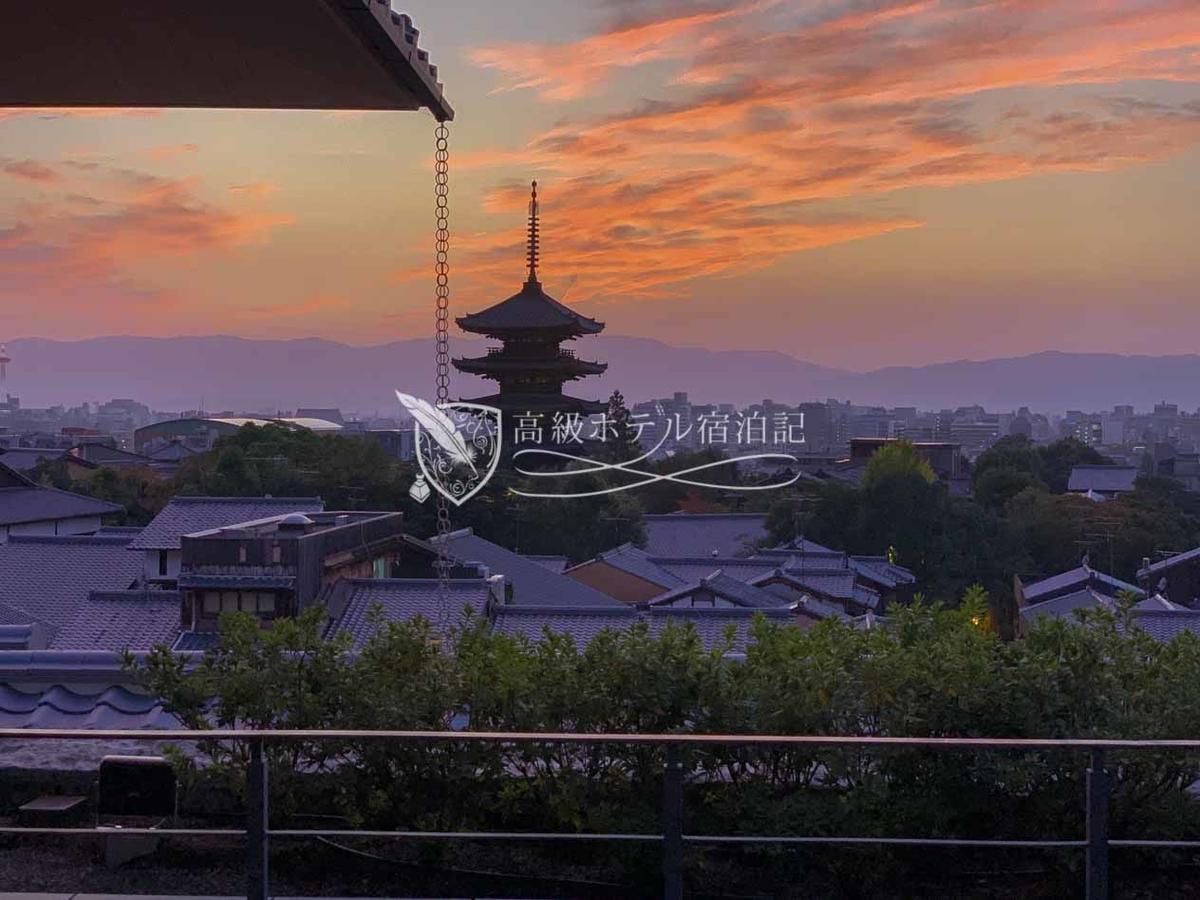 パークハイアット京都 Park Hyatt Kyoto:4階レストランフロアのテラスから見た景色