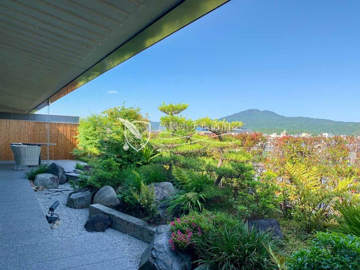 ガーデンテラススイートの庭(テラス)は、温かい季節は絶好のティースポット。