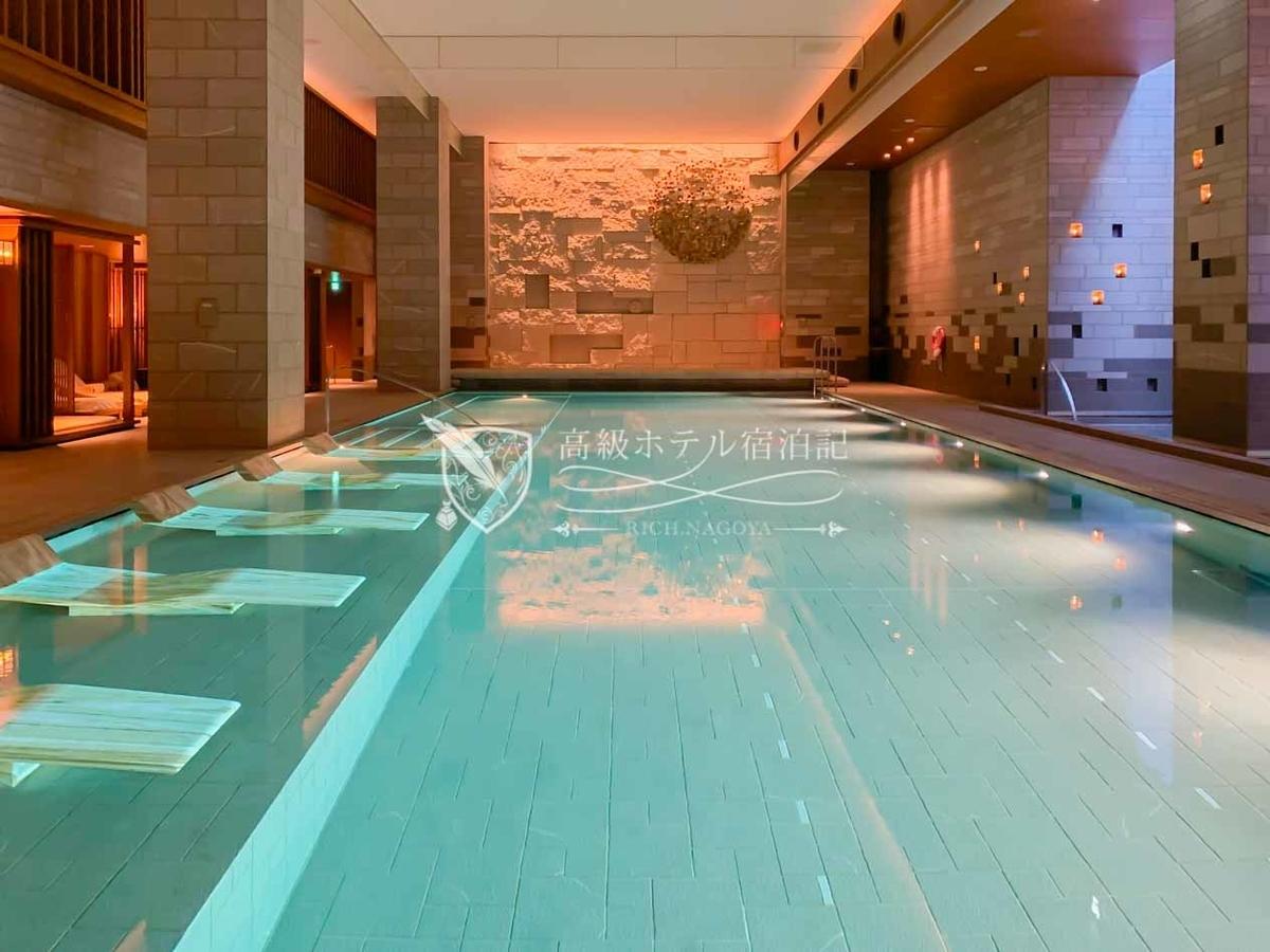 京都市内で最高の設備を備えたホテルプール。ジャグジー、サウナ、水風呂、レストルームも完備。