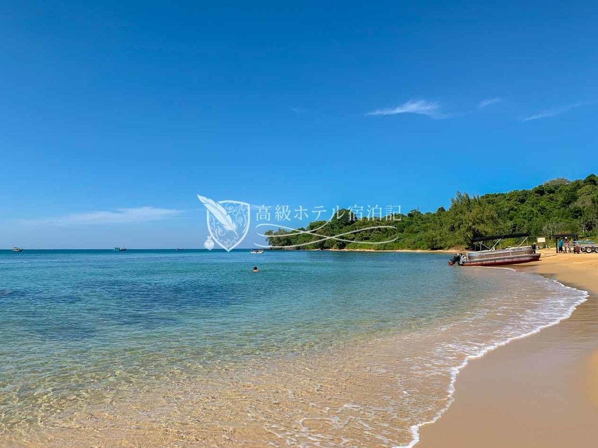 サンゴが生息する綺麗なプライベートビーチ