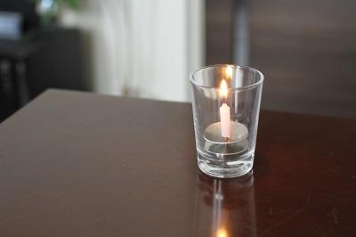 燃焼時間が短いローソク「Cube10」と「亀山五色蝋燭」
