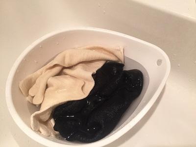 ヒオリエの冷え取り靴下