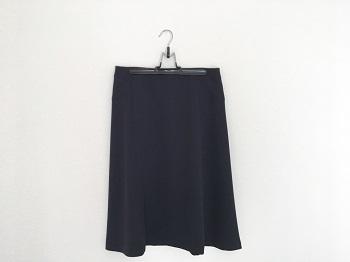スカートを美しく収納できるハンガー