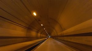 トンネル走行撮影