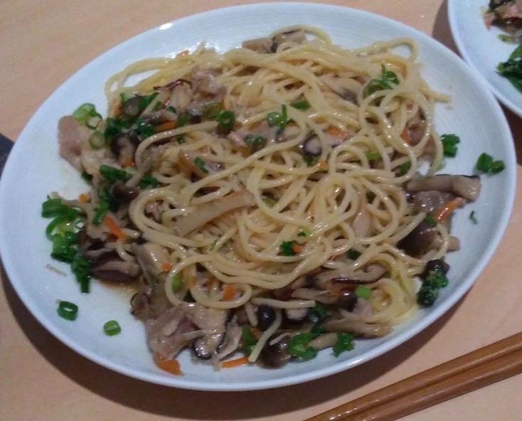 きのこ3種の和風パスタ(食べかけ)