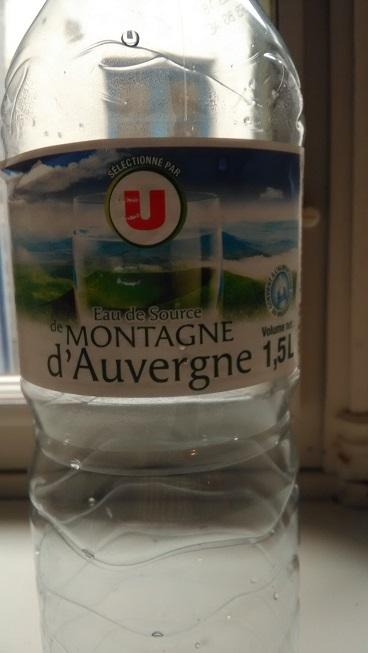 モンターニュオーベルニュ1Lペットボトル