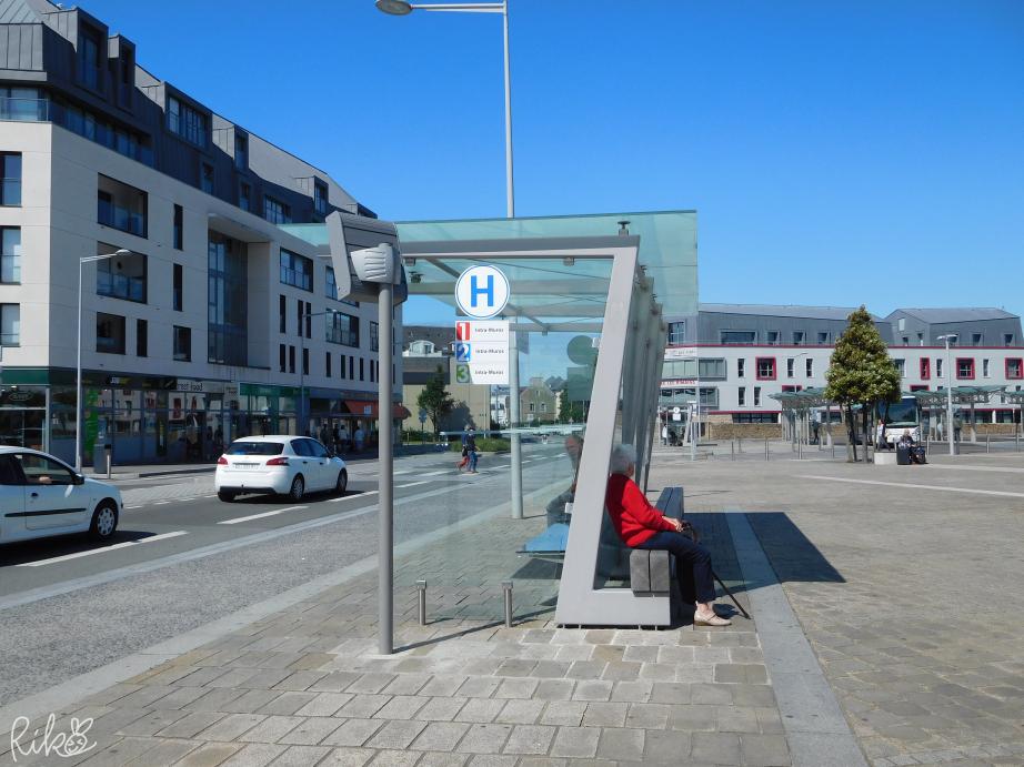 サン・マロ旧市街に行くバス乗り場
