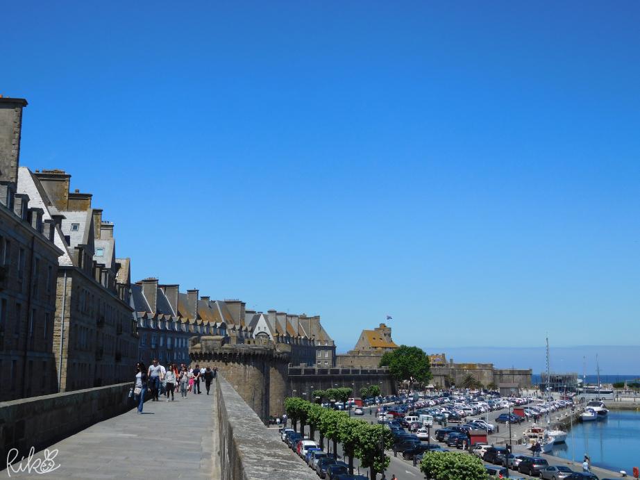 サン・マロ城壁の上の景色