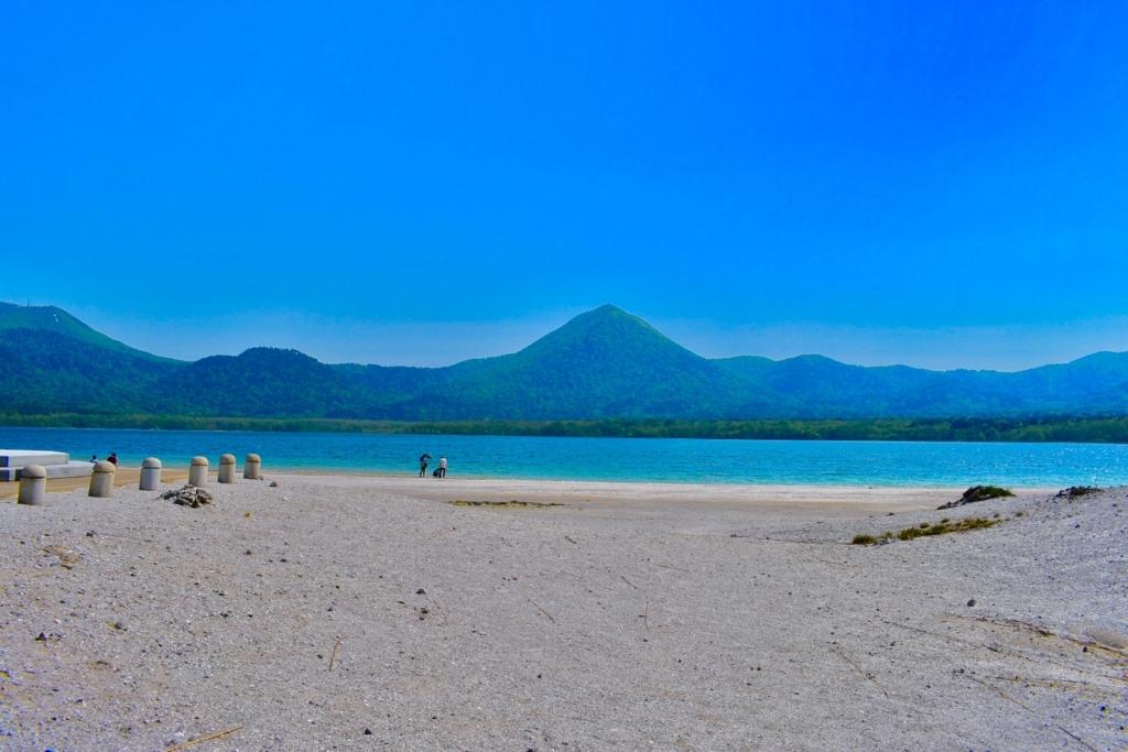 【恐山(おそれざん)】極楽浜(宇曽利湖)