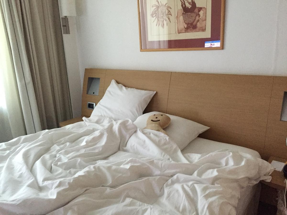 ベッドを占拠するリクヴィル君