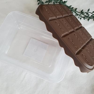 チョコレートタッパー