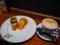 ゴシック地区のバル ピンチョスとカフェラテ