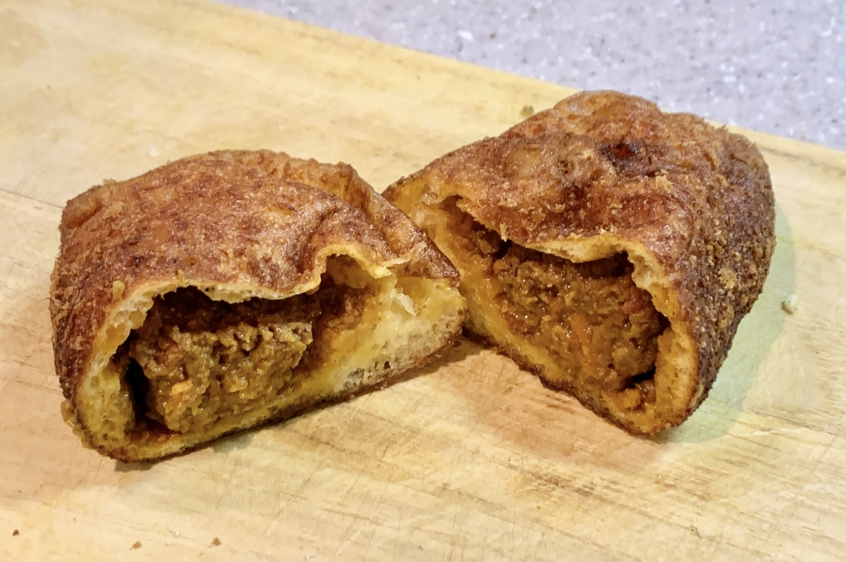 ベーカリーズキッチンオハナの「キーマカレーパン」