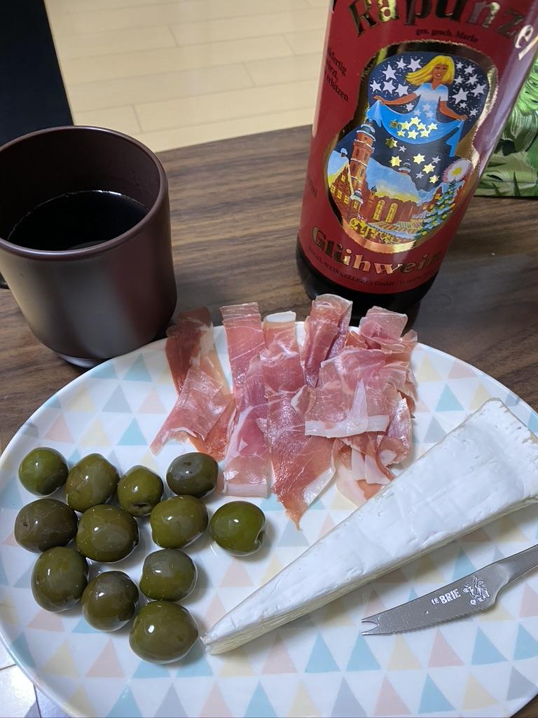グリューワインとタパス