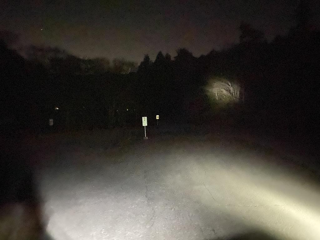 街灯が無いので道中は真っ暗