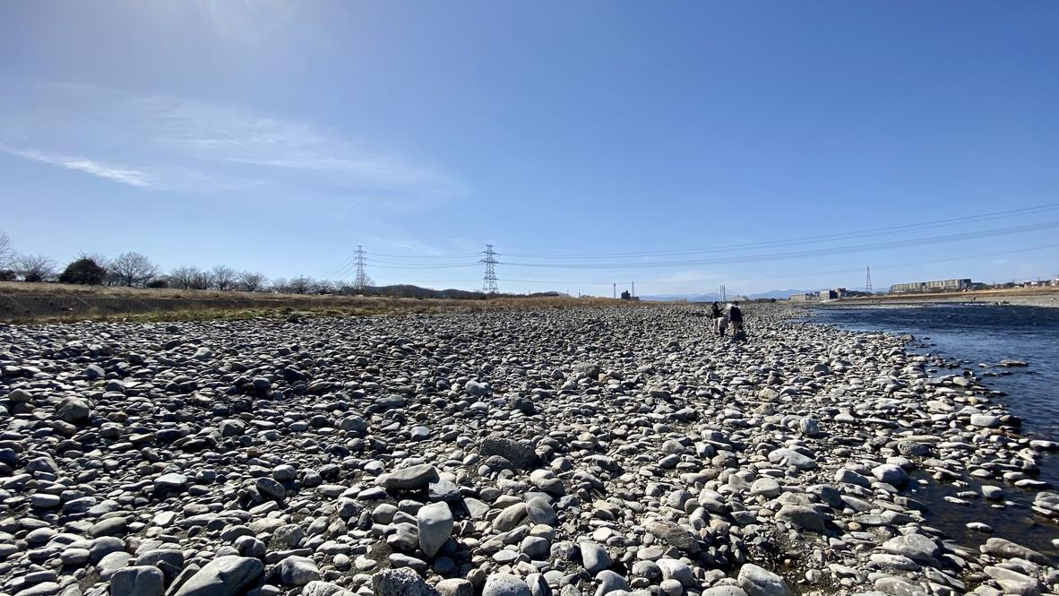 大きな石がごろごろあって歩きにくいから気をつけて