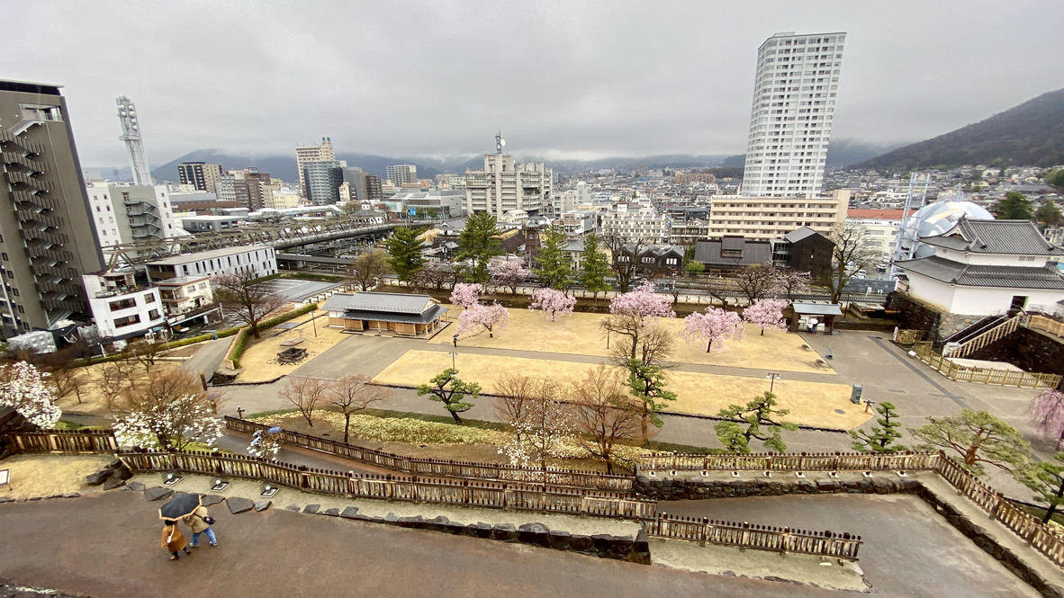 天守台からの眺め(北側・甲府駅方面)