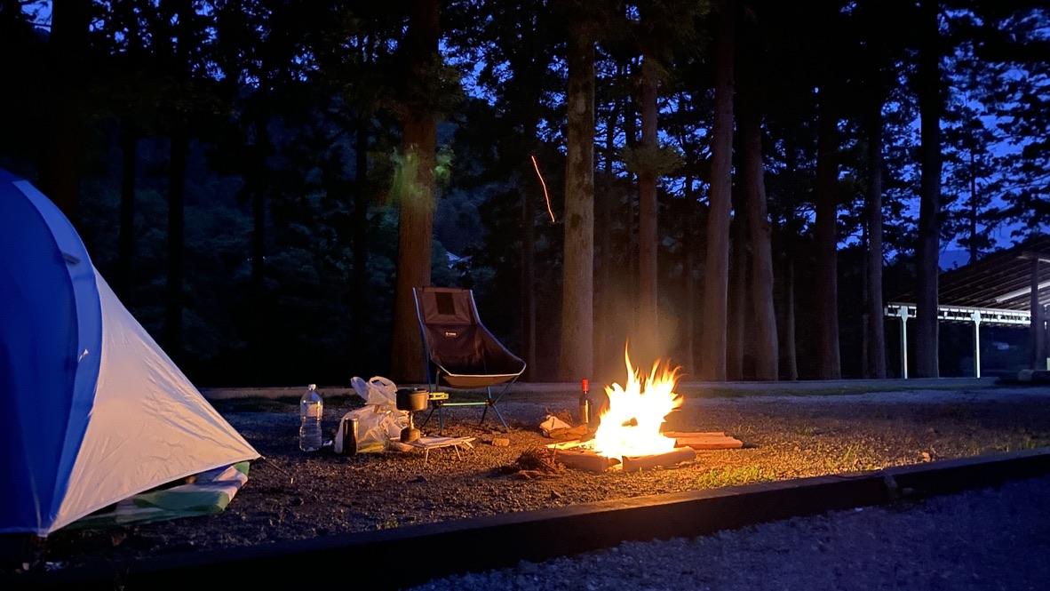 焚き火とディナー