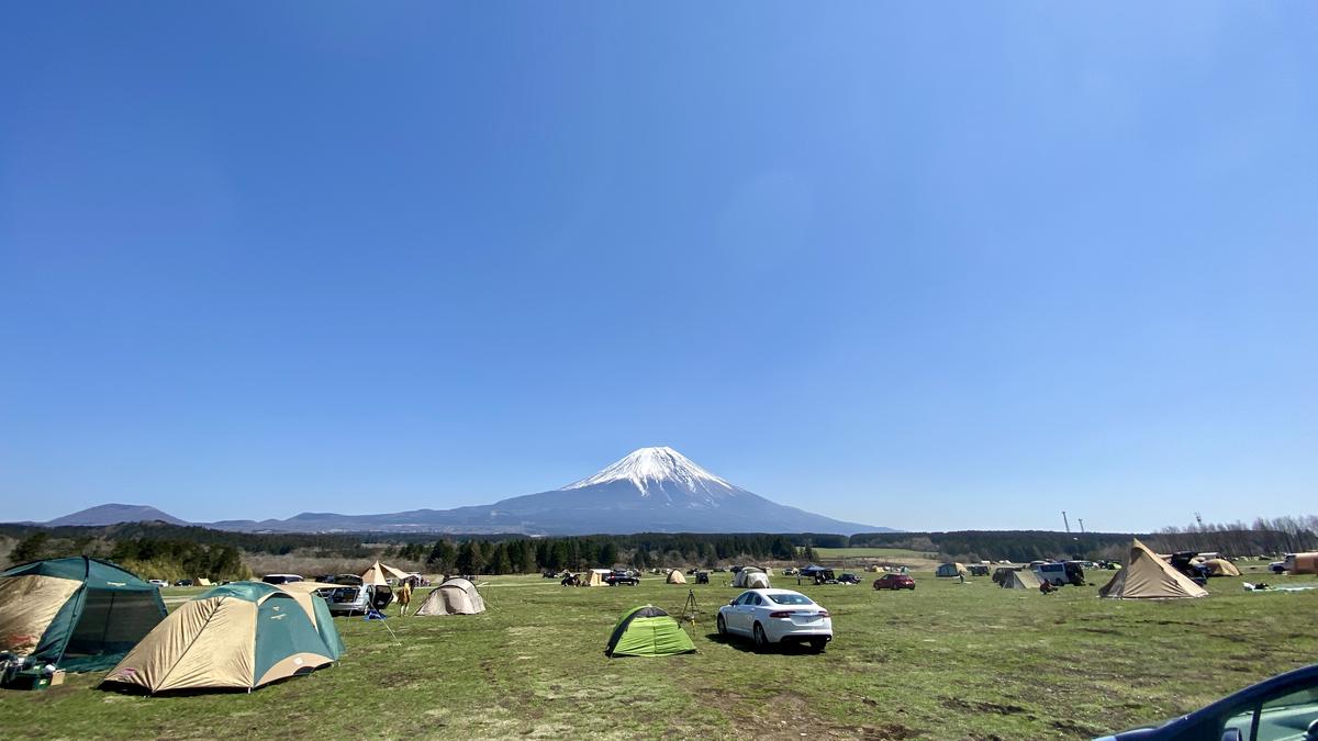 雄大な富士山を目の前にキャンプできる