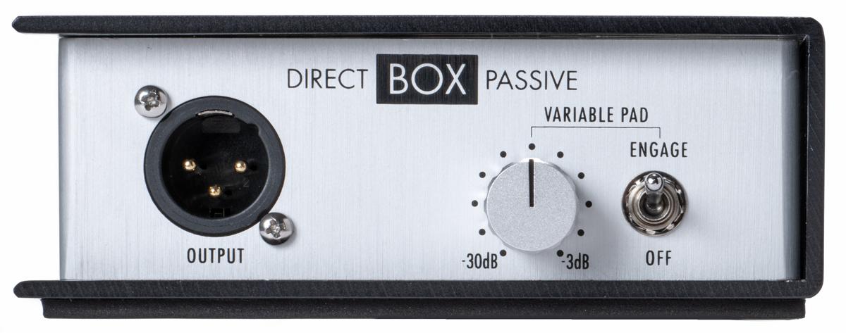 Direct Box Passiveのフロント・パネルには、マイク・アウト(XLR)、VARIABLE PADノブとそのオン/オフ・スイッチを用意
