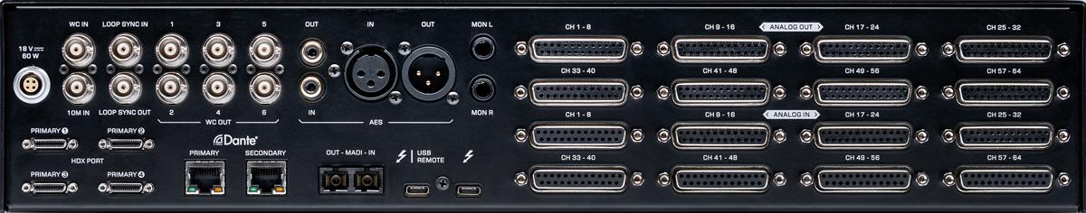 リア。左側上段には付属ACアダプター用の電源端子、ワード・クロック・イン、10MHzアトミック・クロック・イン、ループ・シンク・イン/アウト、ワード・クロック・アウト×6(以上BNC)、S/P DIFイン/アウト(コアキシャル)、AES/EBUイン/アウト(XLR)、モニター・アウトL/R(TRSフォーン)を装備。下段にはHDXポート(Mini DigiLink)×4、Danteポート(RJ45)×2、MADIイン/アウト(オプティカル)、コンピューター接続用のThunderbolt 3端子×2を備える。右側には上段に8chライン入力×8、下段に8chライン出力×8(いずれもD-Sub 25ピン)を用意