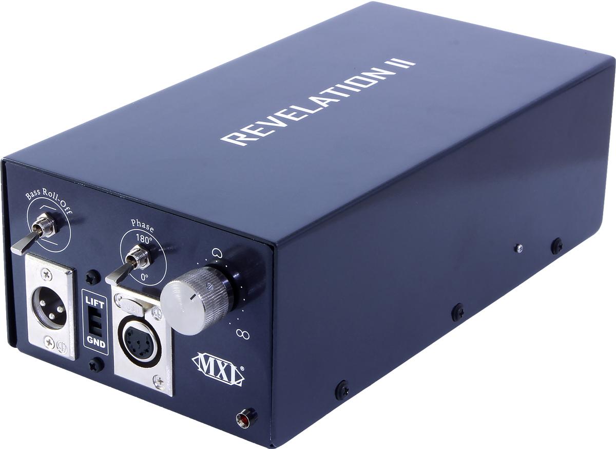 電源モジュールには、無指向性〜単一指向性〜双指向性を無段階で調整できる可変ノブを搭載するほか、ハイパス・フィルターや位相を切り替えるフェイズ・スイッチも備える
