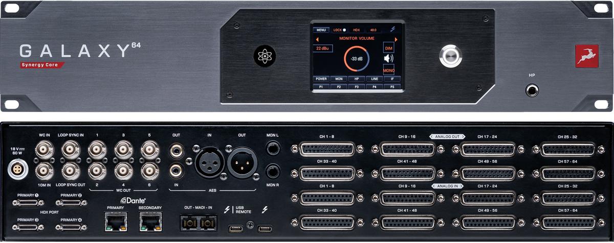 リア。左側上段には付属ACアダプター用の電源端子、ワード・クロック・イン、10MHzアトミック・クロック・イン、ループ・シンク・イン/アウト、ワード・クロック・アウト×6(以上BNC)、S/P DIFイン/アウト(コアキシャル)、AES/EBUイン/アウト(XLR)、モニター・アウトL/R(TRSフォーン)を装備。下段にはHDXポート(Mini DigiLink)×4、Danteポート(RJ45)×2、MADIイン/アウト(オプティカル)、コンピューター接続用のThunderbo lt 3 端子×2を備える。右側には上段に8chライン入力×8、下段に8chライン出力×8(いずれもD-Sub 25ピン)を用意