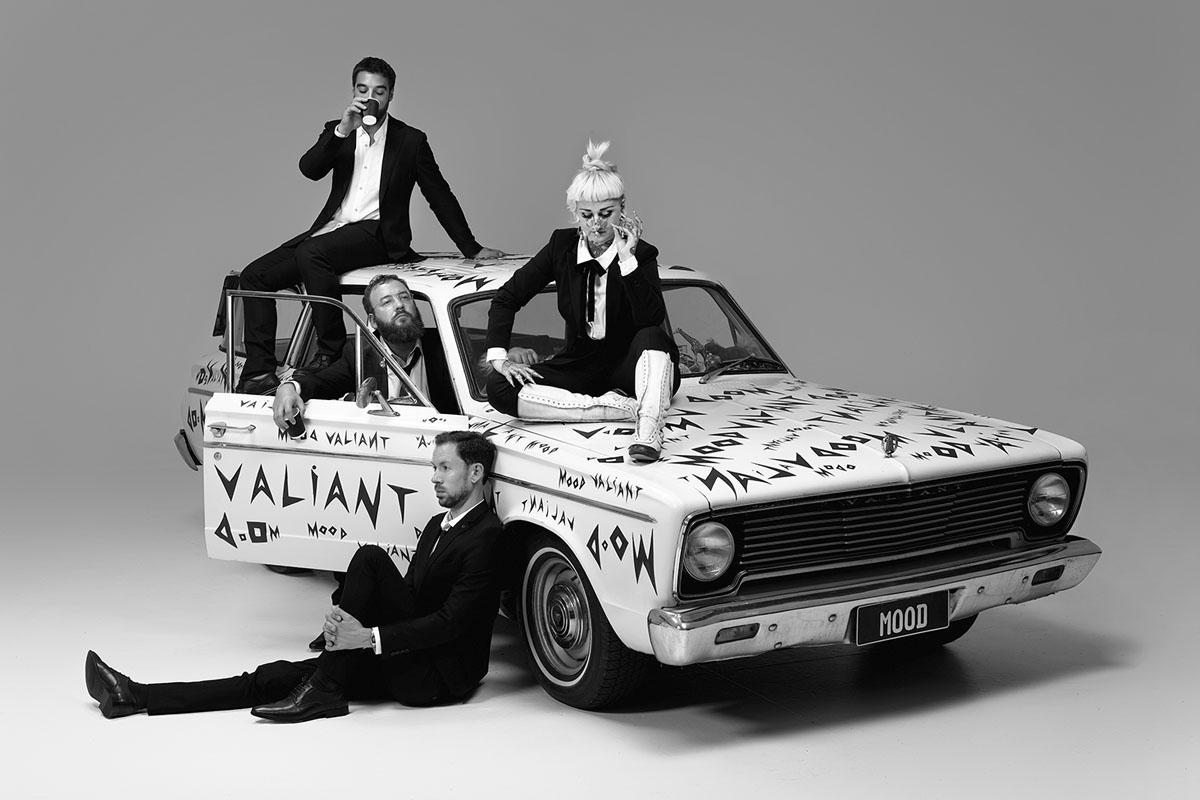 ハイエイタス・カイヨーテ『Mood Valiant』インタビュー【前編】フライング・ロータス主宰レーベル=Brainfeederへの移籍とアルトゥール・ヴェロカイ参加の理由