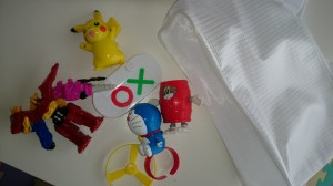 おもちゃと収納バッグ