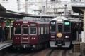 阪急5100系5106F通勤準急箕面行と阪急9000系9001F通勤準急梅田行き
