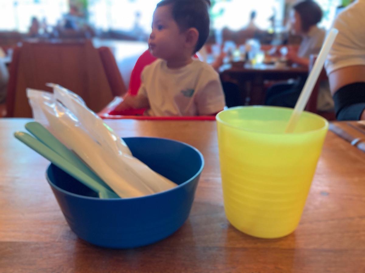 子供用チェアと食器も完備 Monsoon cafe(モンスーンカフェ)たまプラーザ店