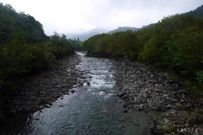 銀山平温泉の川