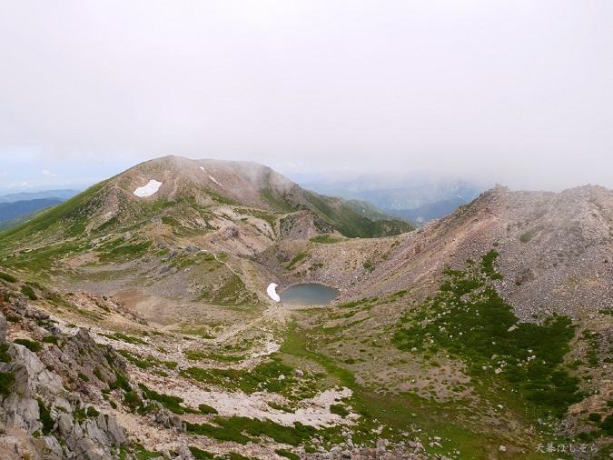 白山の頂上からのトレイル