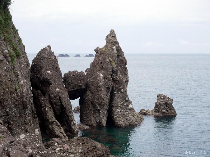 はさかり岩